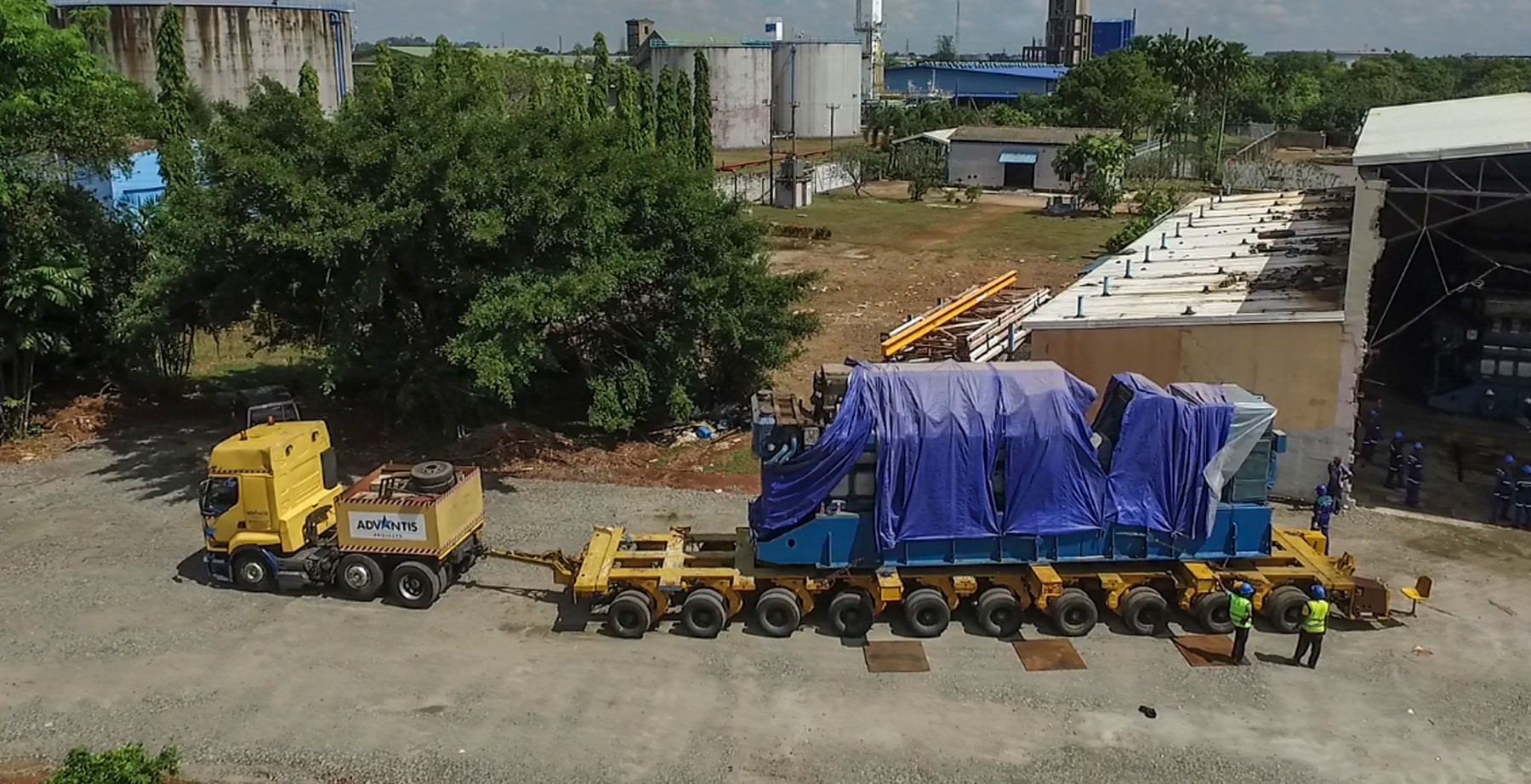 Advantis-Projects-multi-axel-trailer-used-for-the-relocation-of-the-power-plant (2)